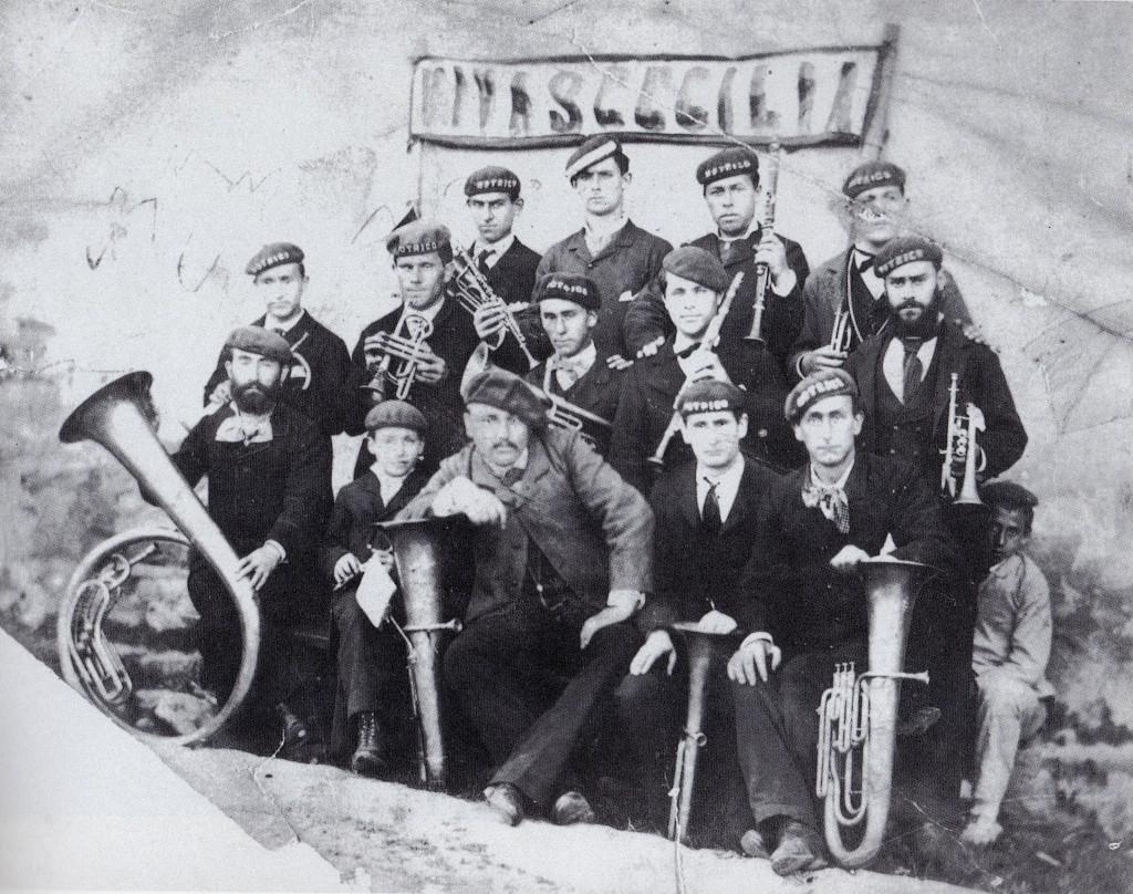 Lehen musika banda
